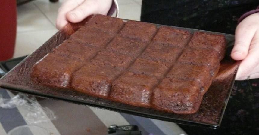 atelier flexipan brownies au chocolat et aux noix ma p 39 tite cuisine. Black Bedroom Furniture Sets. Home Design Ideas
