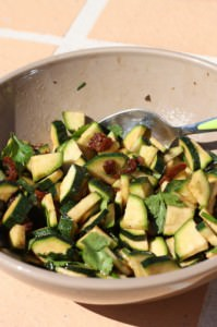 Salade de courgettes crues