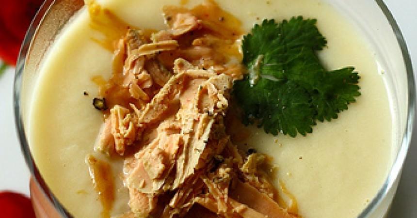 Velouté de céleri, copeaux de foie gras au Poivre Noir Sarawak