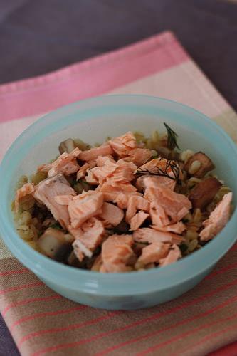 bl champignons au saumon recette de b b d s 18 mois ma p 39 tite cuisine. Black Bedroom Furniture Sets. Home Design Ideas