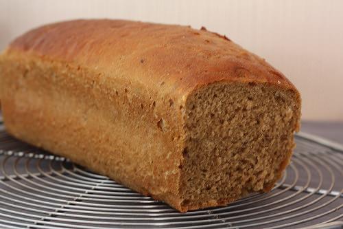 Pain moelleux à la farine maltée, comme un pain de mie Anglais
