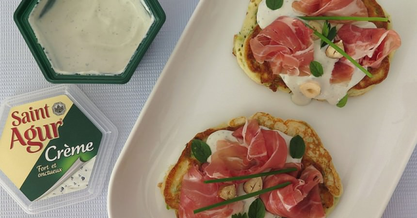 Blinis gourmands au jambon et noisettes