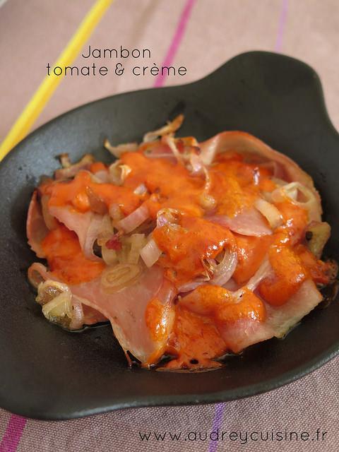 Jambon, sauce tomate & crème