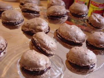 Les macarons au chocolat