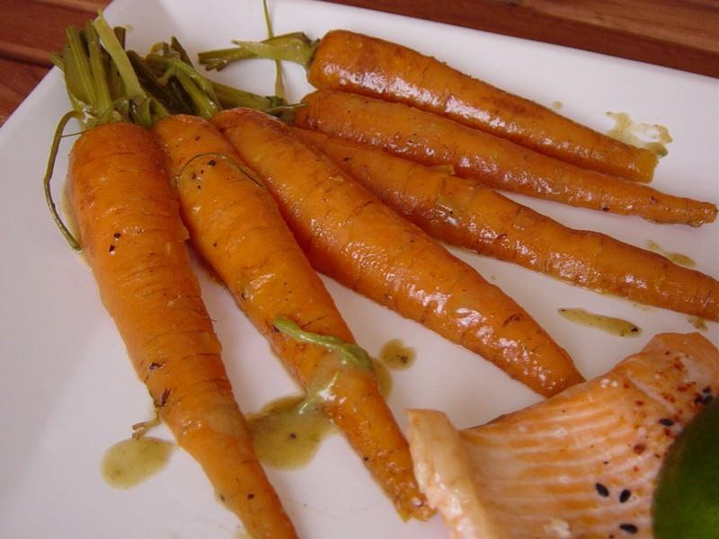 Carottes nouvelles gla es au cumin ma p 39 tite cuisine - Que cuisiner avec des carottes ...