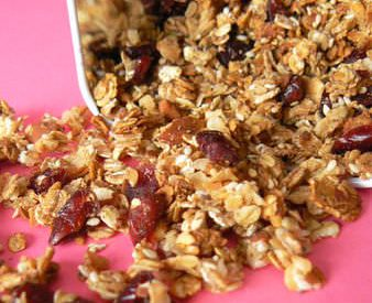 Granola (muesli) aux cranberries & amandes