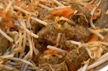 Wok de boeuf au curry façon rendang