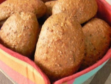 Petits pains acidulés aux cranberries pour le petit déjeuner