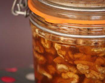 Miel aux noix pour accompagner un fromage blanc