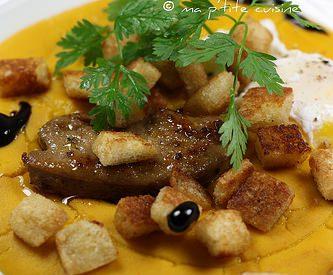 Foie gras poêlé, oeuf mollet & purée de potimarron