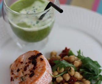 Tournedos de saumon, salade de pois chiche