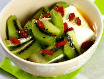 Que faire avec des kiwis ? Salade de Kiwi & baies de goji