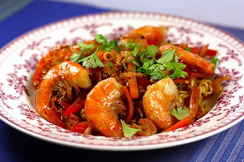 Bami Goreng : nouilles sautées aux crevettes