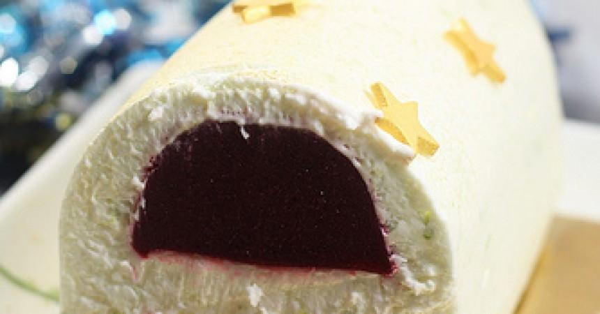 Bûche de Noël, mousse au citron vert, framboise & biscuit matcha