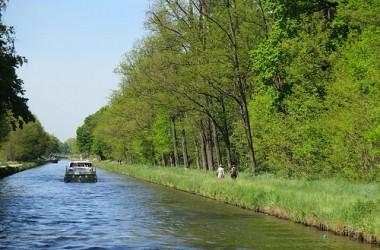 A l'abordage ! Des vacances en Bourgogne sur un bateau, sur le canal de Roanne à Digoin
