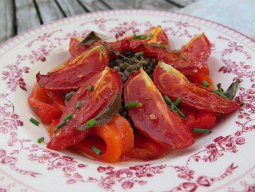 Salade de lentilles au poivrons grillés et tomates confites