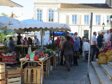 Le marché de Saint-Jean d'Angely I Charente Maritime