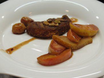 Escalopes de foie gras panées, aux fruits secs