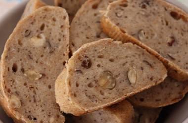 Baguette de campagne aux noisettes, pour accompagner un foie gras au chocolat