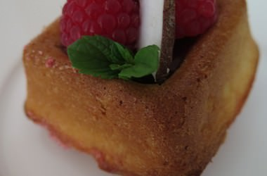 Mini cakes au citron & framboises