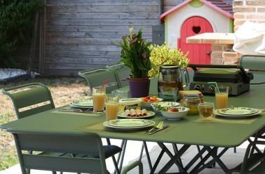 Vive l'été, le soleil, la terrasse et notre nouveau salon de jardin !