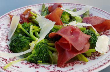 Salade de légumes verts