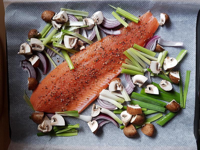 La recette du filet de truite cuit au four audrey cuisine - Comment cuisiner la truite au four ...