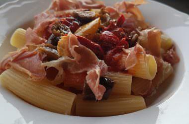 Macaronis aux légumes grillés & coulis de basilic