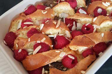 Bread & butter pudding à la brioche et aux framboises