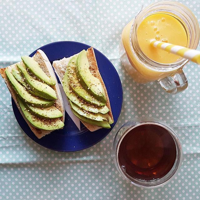 smoothie-toast-avocat