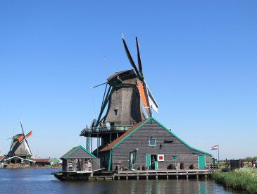 Les Moulins à vent du Zaanse Schans, proche d'Amsterdam