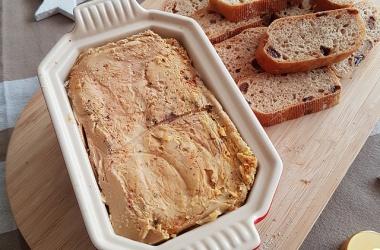 La terrine parfaite de foie gras de canard faite maison pour Pâques
