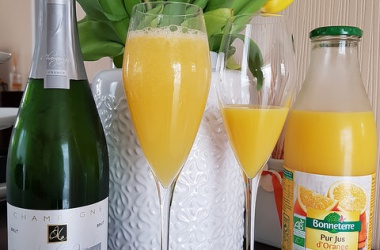 Cocktail Mimosa, parfait pour un brunch de printemps !