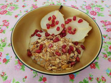 Crèmes végétales miel & sarrasin & granola maison pour un p'tit déjeuner gourmand
