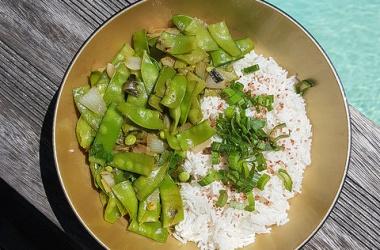 Légumes sautés au Balsoy & maquereau à la plancha