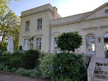 Château le Pape : Chambre d'hôtes dans le vignoble de Pessac-Léognan I Gironde