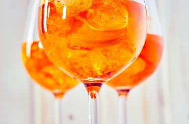 La recette du Spritz, le Cocktail Italien à l'orange amère