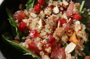 Salade de boulgour, grenade & saumon