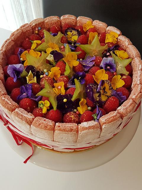 Charlotte framboise rose ma p 39 tite cuisine for Deco cuisine framboise