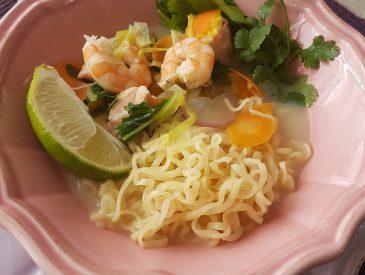 Soupe de nouilles aux crevettes au lait de coco