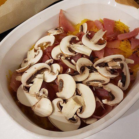 Gratin de courge spaghetti aux champignons & bacon