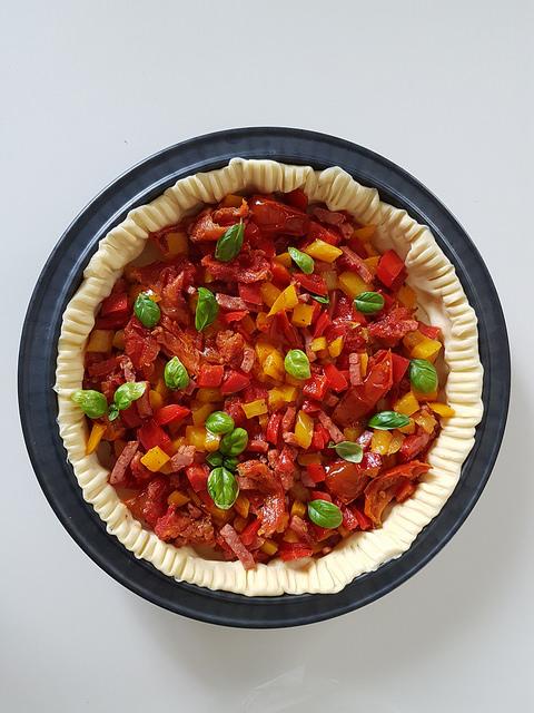 Tarte aux poivrons, bacon & tomates séchées
