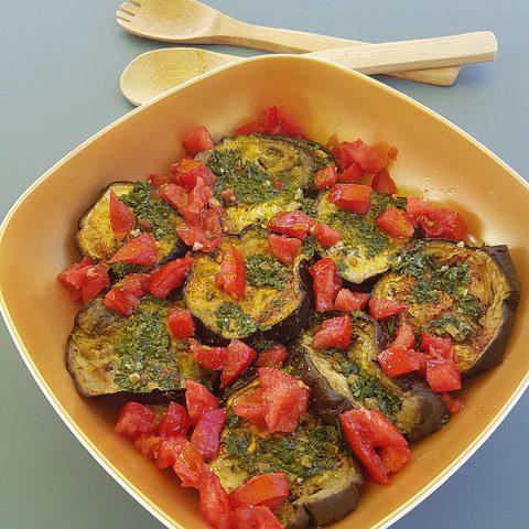 Salade d'aubergine à la tomate