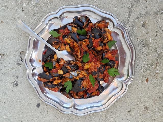 Moules à la tomate et au chorizo