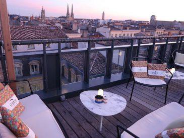 Cocktail & caviar sur le plus beau Rooftop de Bordeaux