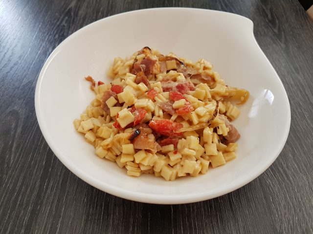 Crozets crémeux aux poivrons grillés et jambon de Parme