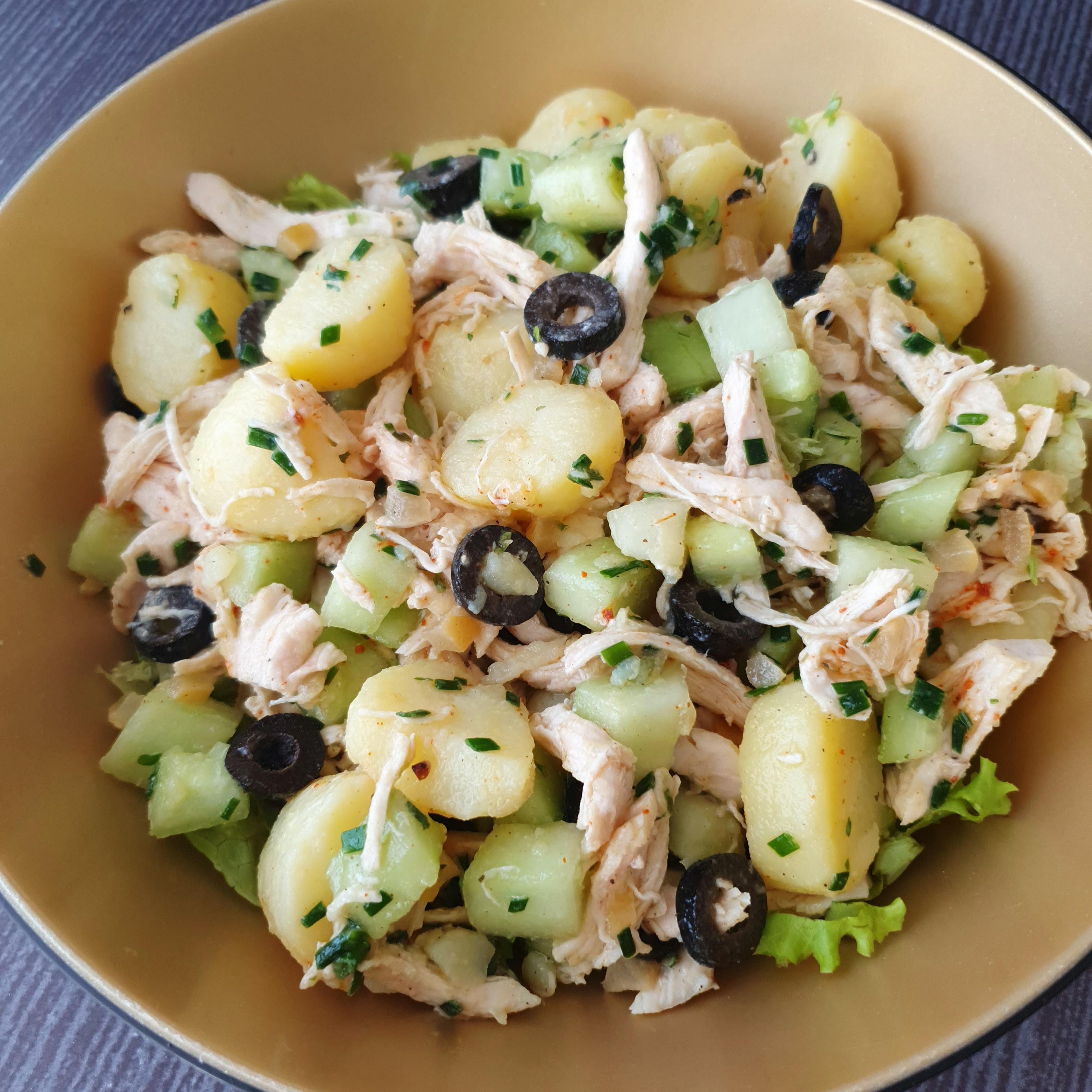 Salade de pommes de terre poulet