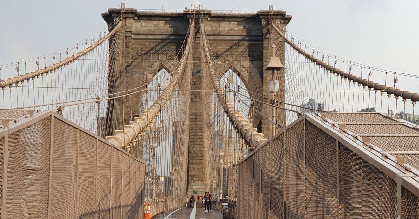 Traversee a pied du pont de Brooklyn
