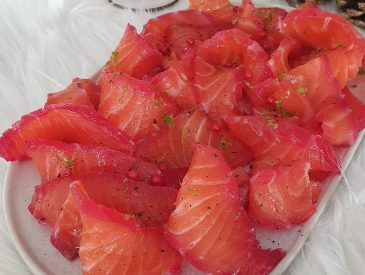 Gravlax de saumon à la betterave