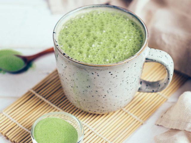 Matcha-latte au lait de coco